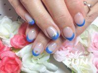 ブルー×フレンチネイル